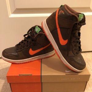 Nike hightop dunk